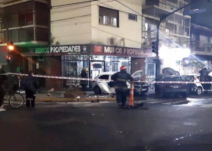 Choque fatal en Flores: cruzó en rojo, mató a una mujer y se fugó